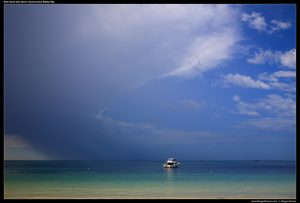 RG_IMG_201601_8965-Boat-and-storm-with-rain-band-across-Safety-Bay